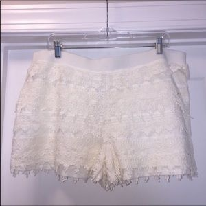 🎉4/$35🎉Express Factory cream lace shorts